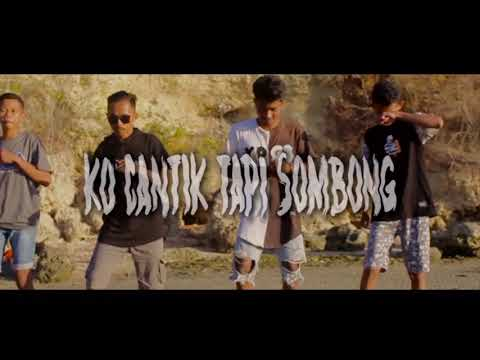 Ko Cantik Tapi Sombong 🎵Dj Qhelfin🎶 (Official Video Music 2019)
