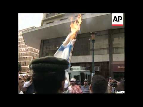 SOUTH AFRICA: POLICE FIRE ON PROTESTORS OUTSIDE ISRAELI EMBASSY