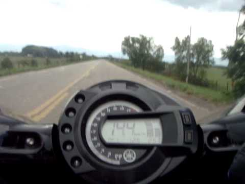 FZ6 chasing CBR 600RR ( top speed 265 Km/h )