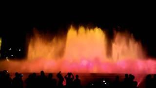 Поющие и танцующие фонтаны в Барселоне. Часть 3.(Небольшое видео о поющих и танцующих фонтанах на горе Монтжуик в Барселоне. Незабываемое зрелище. P.S. Видео..., 2011-08-05T07:21:28.000Z)