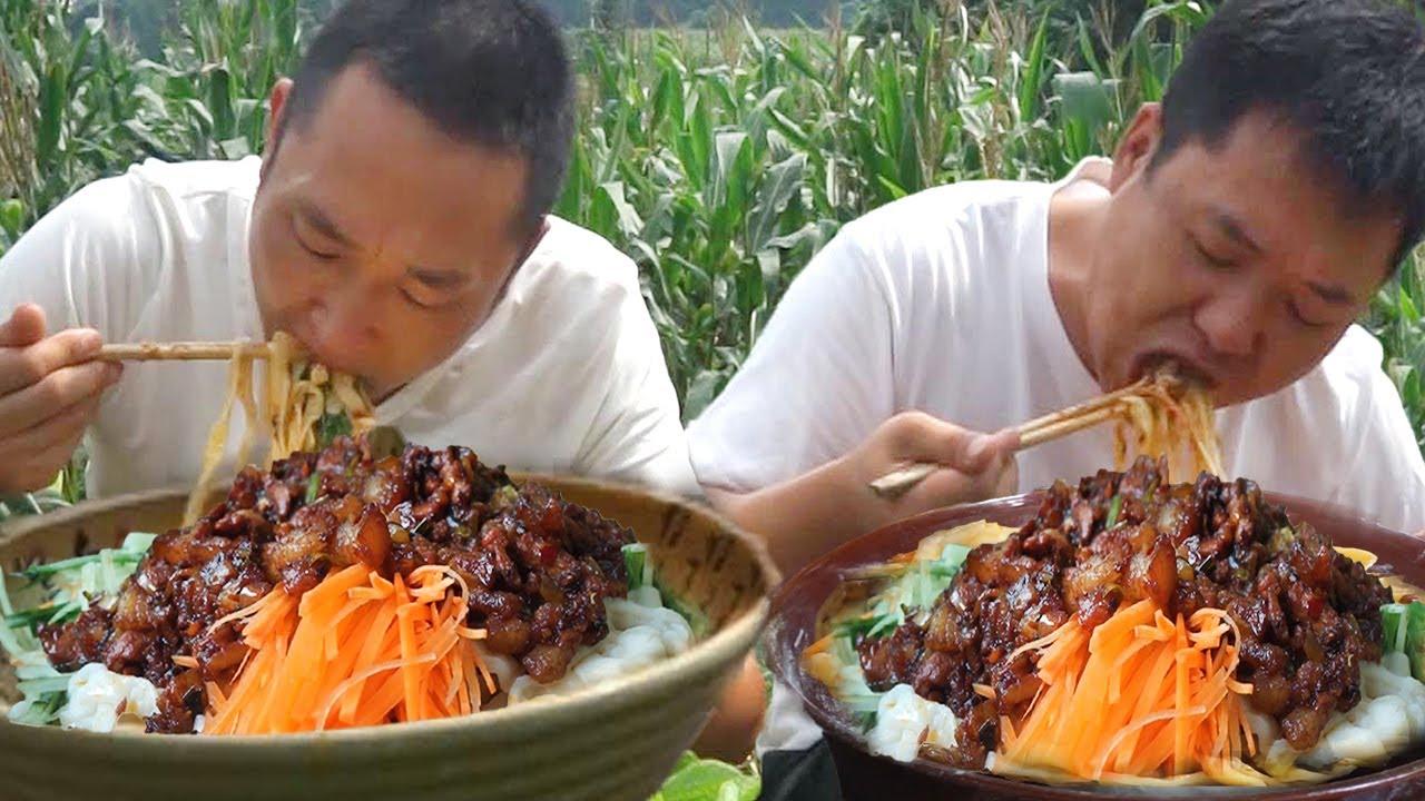 哥倆吃宜昌炸醬麵,一人一大盆,面多炸醬少,有點沒吃爽! 【鐵鍋視頻】