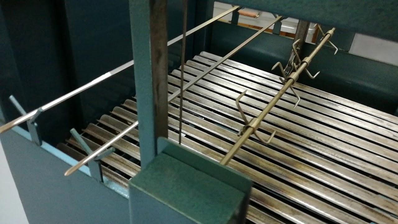 Lavoro di artigianato barbecue in acciaio ferro verniciato for Barbecue fai da te in ferro
