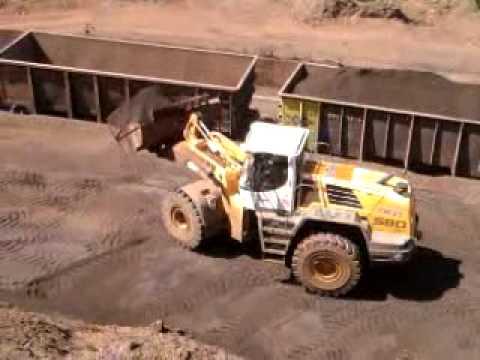 carregamento de minerio  em brumadinho