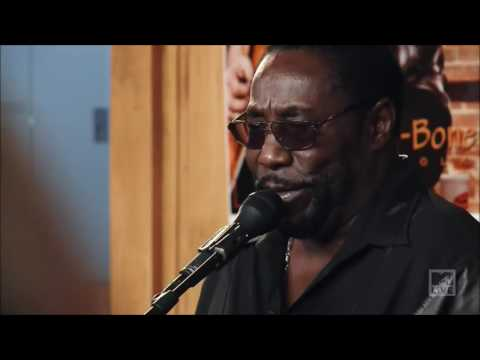 O'Jays Daryl Hall   She Used To Be My Girl Live From Daryl's House 25 02 2017