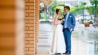 Свадебная прогулка в дождливый майский день
