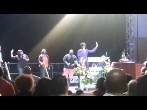 Tiffany cover song William McDowell - I surrender All @hohmacon