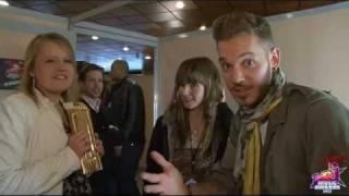 Videos Laura et marie meilleures fans 2012 avec m pokora - Nrj Music Awards