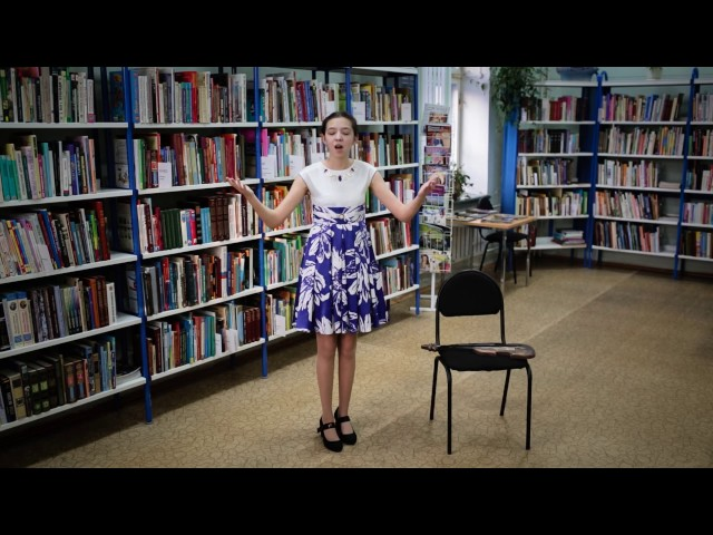 Изображение предпросмотра прочтения – КристинаКоленкова читает отрывок изпроизведения «Скрипка» (Яковлев Юрий)