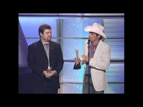 "Brad Paisley Wins Album of the Year For ""Time Well Wasted"" - ACM Awards 2006"
