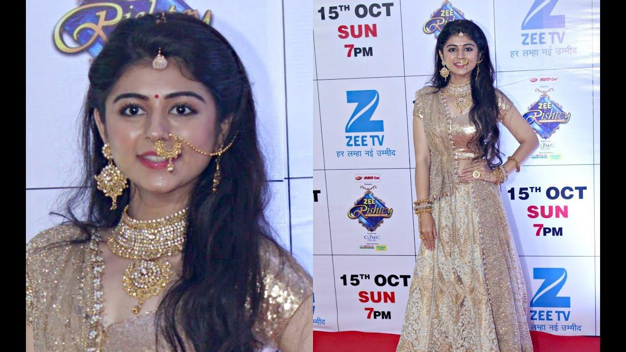 Jeet Gayi Toh Piya More Actress Yesha Rughani Look Beautiful At Zee Rishtey Awards 2017 Youtube