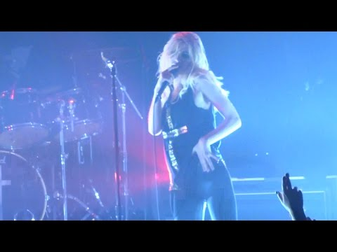 """The Pretty Reckless - """"Going to Hell"""" (Live in San Diego 10-12-14)"""