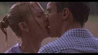 """Поцелуй из фильма """"Матч-Пойнт"""""""