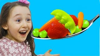 Learn Colors With Finger Family Music and Toys Food - Games for kids
