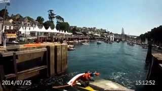 Veel stroming en een zeilbootje met een mast... Tenminste, tot de brug!