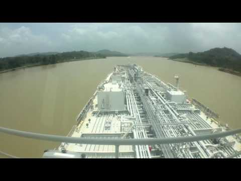 Crossing the Panama Canal - Caribbean to Pacific