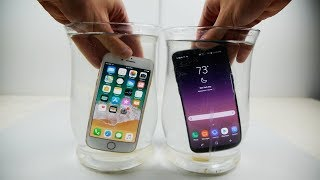 iPhone 8 vs Galaxy S8 - 海水浸泡測試!!! (中文字幕)