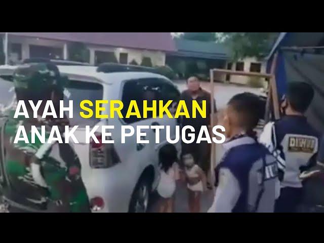 Tak Mampu Beli Susu, Seorang Ayah di Kalimantan Tengah Serahkan Anaknya ke Petugas PSBB