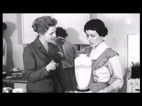 Deutsche Hausfrau von mehreren Prügeln beim Treffen gevögelt
