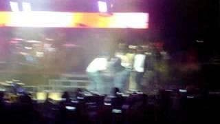DRAKE falling during LIL WAYNE concert plus weezy