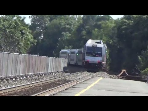 Nj Transit Train At Delawanna Station In Clifton Nj Youtube