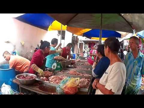 20170219 R0045 Malaysia Penang market chicken
