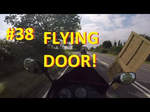 MotoVlog #38 Insecure load nearly wipes out biker with a pine door! Near miss. Dickhead Driver. & MotoVlog #38 Insecure load nearly wipes out biker with a pine door ... Pezcame.Com