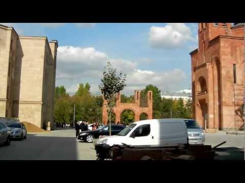 Армянский храм на Олимпийском в Москве
