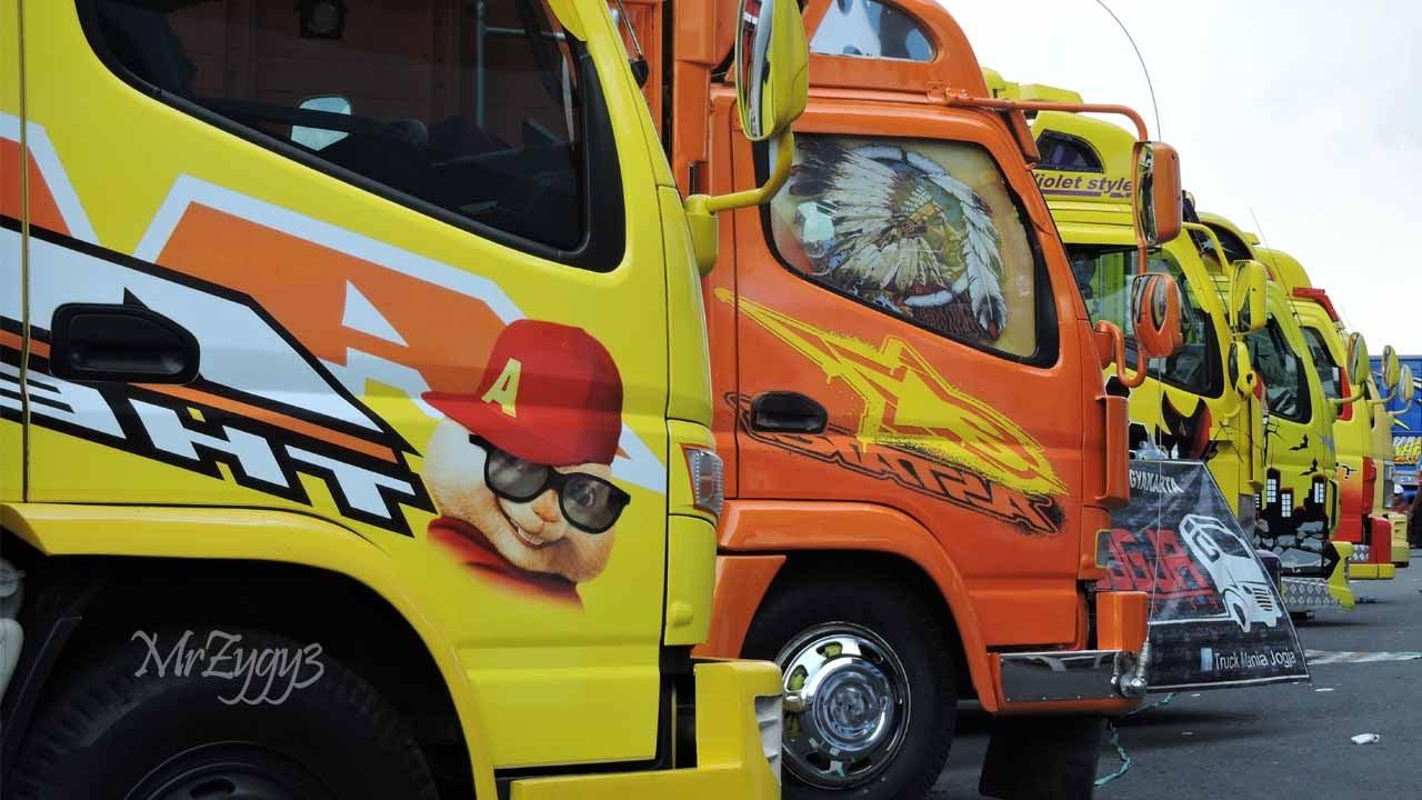 KAMT Mitsubishi Fuso Canter Isuzu Elf Truck Festival Cu ...