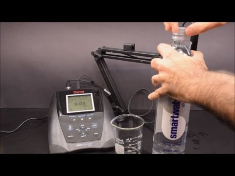 Testing The PH Of Alkaline Water And Adding Stomach Acid To It