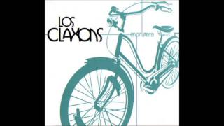 Watch Los Claxons Playa Maguadel video