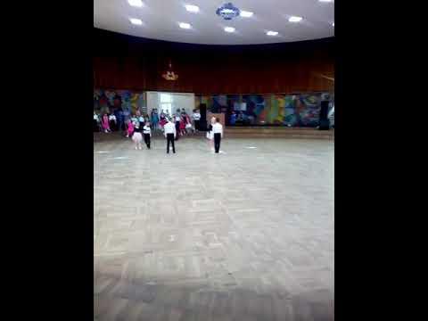 Смотреть клип Танец Диско,и Вару Вару. онлайн бесплатно в качестве