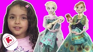 Frozen Elsa and Anna Dolls Dress Up + More! - Princesses In Real Life | WildBrain Kiddyzuzaa