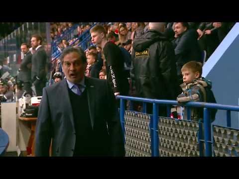Тот самый жест главного тренера «Тороса» Руслана Сулейманова и его удаление в матче с «Рубином»