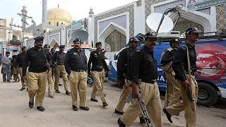 Nach Schreinanschlag in Pakistan: Harte Vergeltung