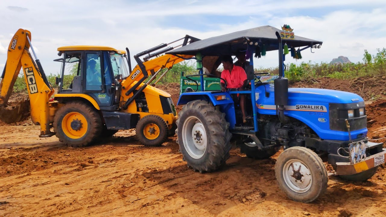 Sonalika 47 RX Pulling Full Loaded Trolley of Lake Soil Pulling | Swaraj tractor power | #CFV