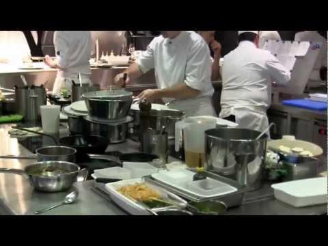 3 Michelin star Restaurant de l'Hôtel de Ville