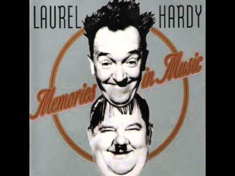 Laurel & Hardy - The Mousetrap Song 1938 Swiss Miss