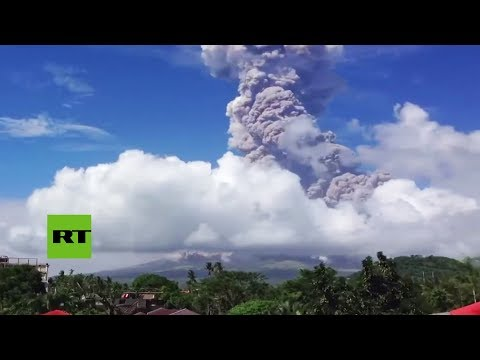 RT en Español: El volcán Mayon en Filipinas lanza cenizas y vapor (TIMELAPSE)