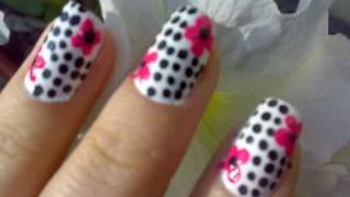 """Dots and flower""-Nail Art Design"