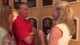 Craig Biggio meets National Baseball Hall of Fame sculptor Mindy Ellis