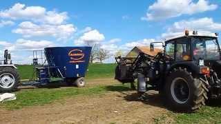 Farmtrac 6075 DTn Heritage & 690 DT + Wóz paszowy Alimamix Evolution 10v