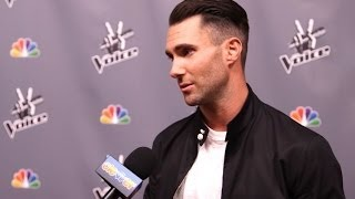 adam levine praises kelly clarkson wants to be worlds first pregnant man the voice interview
