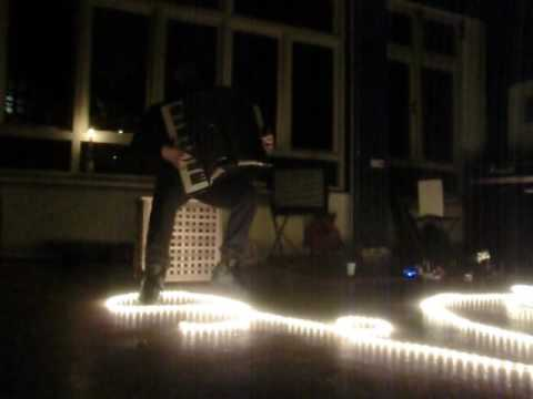 Leo Svirsky plays Heights In Depths at Helicopter in Den Haag, 20161102