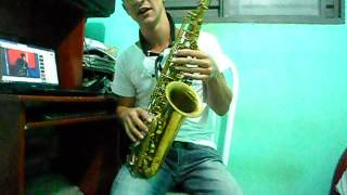 Escala natural do sax video aula,ensinando minha amiga linda Jackeline via Face