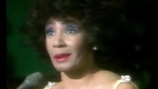 Shirley Bassey - I Only Have Eyes For You (1985 Live In Cardiff)
