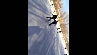 Уроки катания на лыжах от Серёжки