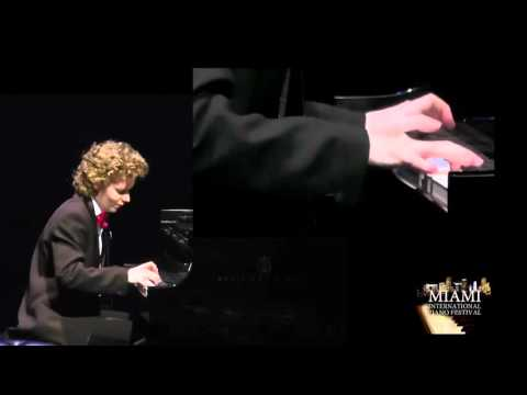 Nikolay Khozyainov plays Franz Liszt Spanish Rhapsody
