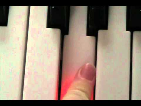 How to play a G note on the piano