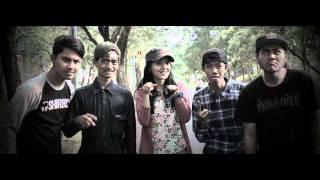 "Plus Minus - Gelora Tersembunyi ""punk in drublic"" (PROMOTE 2015)"
