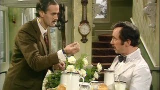 Video Basil Gives Manuel a Language Lesson - Fawlty Towers - BBC download MP3, 3GP, MP4, WEBM, AVI, FLV Agustus 2017